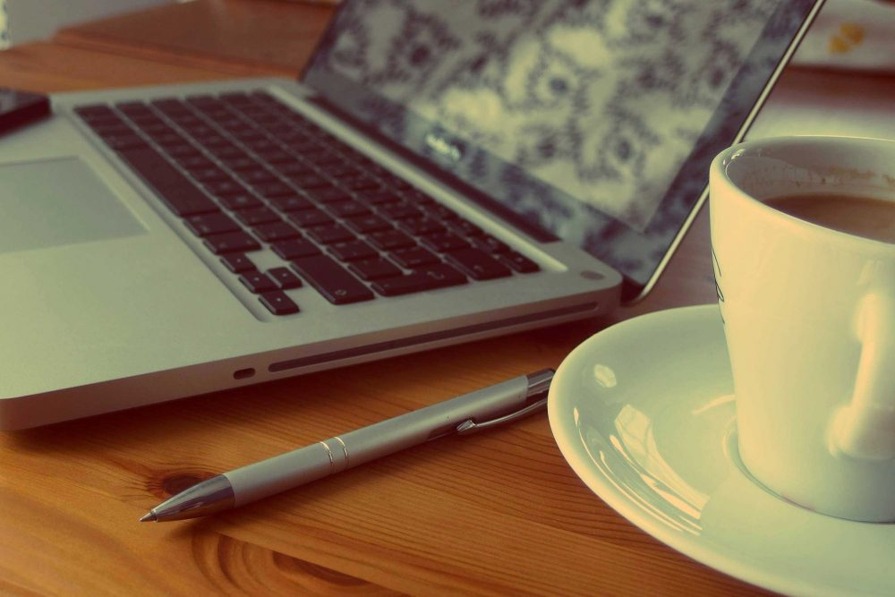 Maccbook, laptop, pen, content, coffee